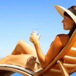 Можно ли загорать при варикозе - нормы нахождения на солнце, риски